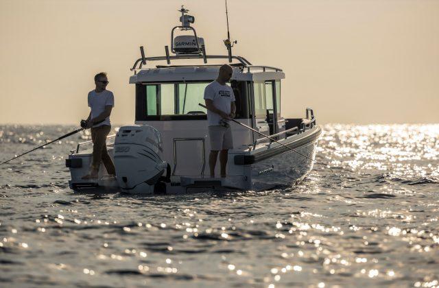 , Rezerwacja Jachtu Axopar 28 Cabin BRABUS Line